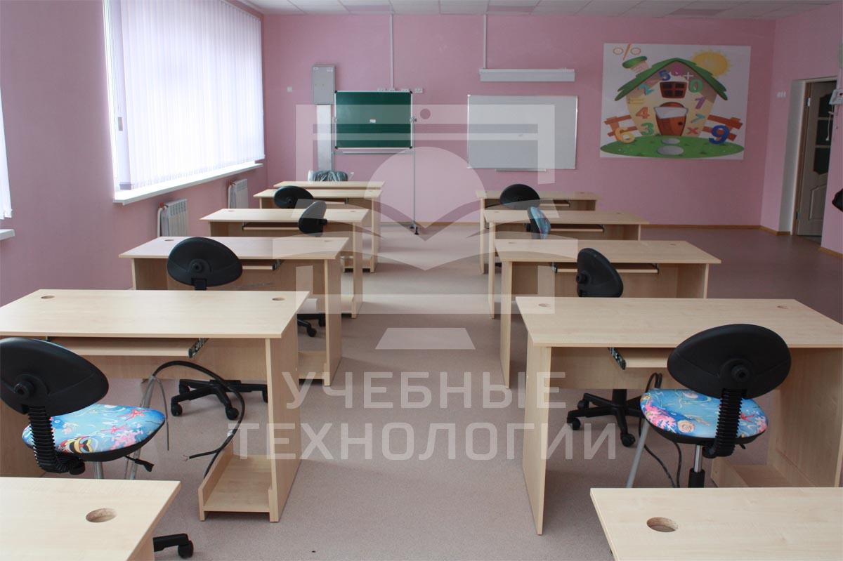Компания Учебные технологии комплектует школы